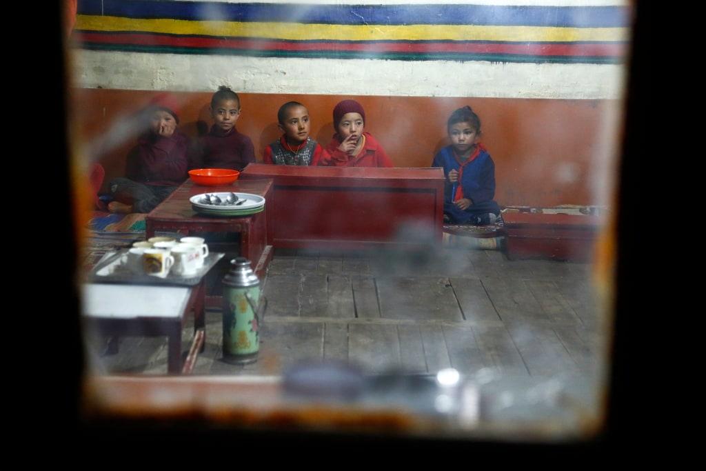 Lewandowska-ladakh-indie-klasztor-children